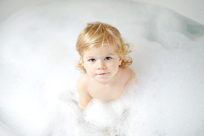 Jak zachęcić kilkulatka do kąpieli?