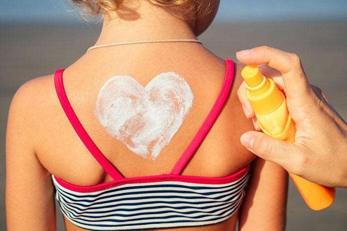Oparzenia słoneczne u dziecka – jak złagodzić objawy?