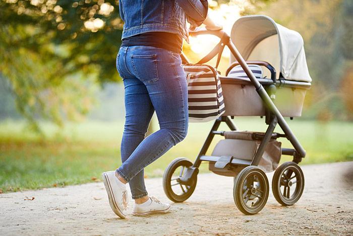 Jak przygotować dziecko na pierwszy wiosenny spacer?