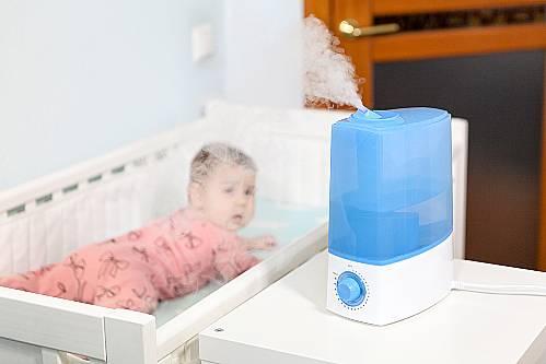 Jak zadbać o odpowiednie warunki domowe dla noworodka