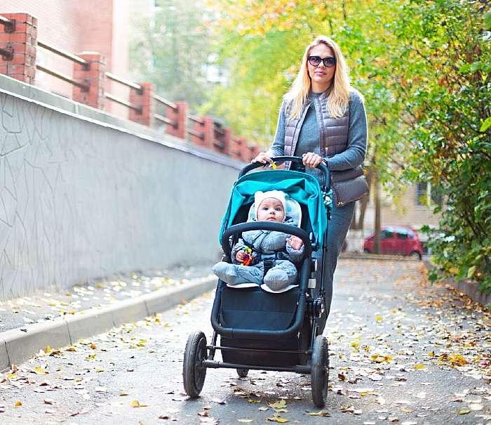 jak ubrać dziecko na pierwszy letni spacer